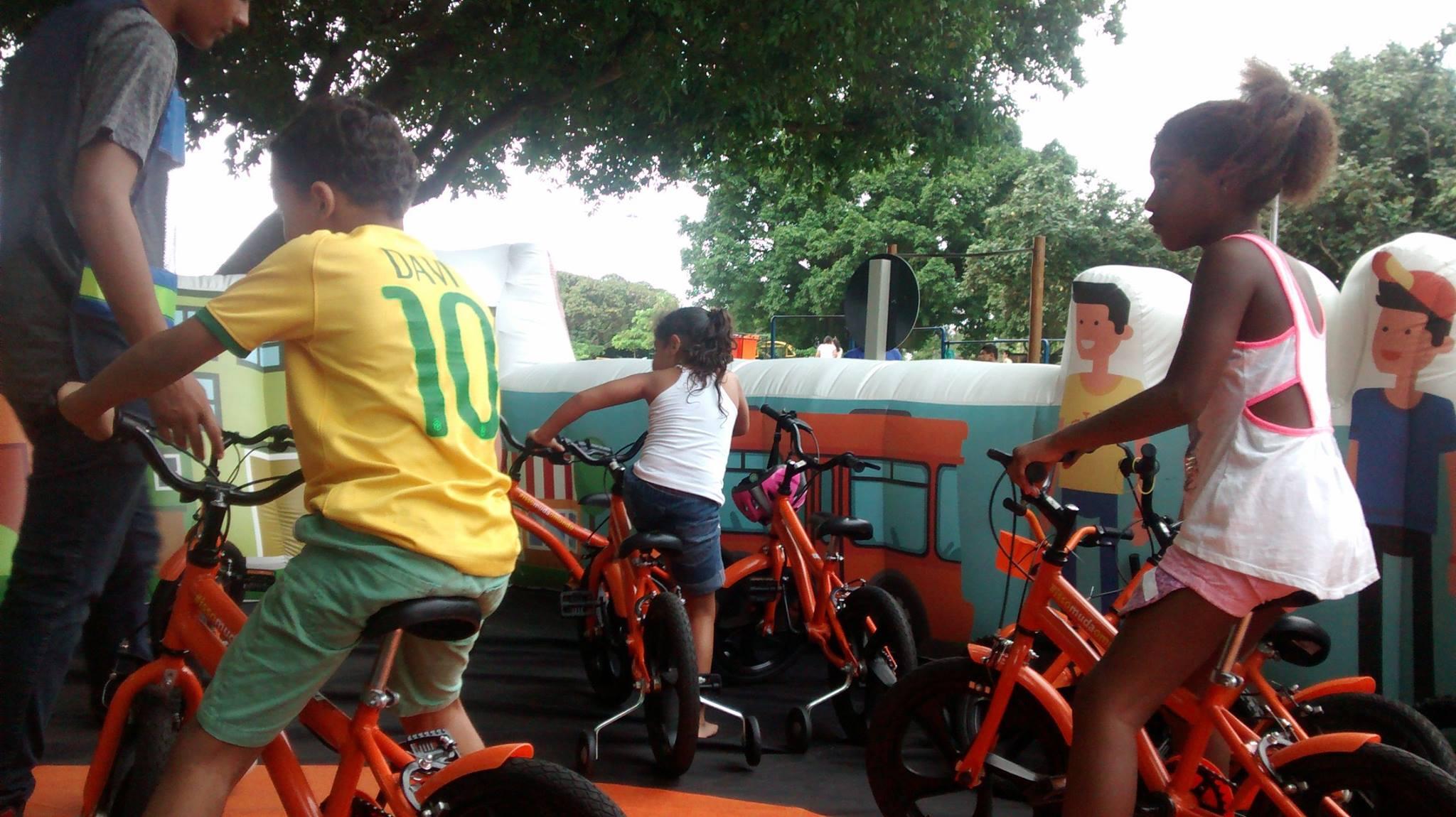 Atividades também são voltadas para educação contra o trânsito. Foto: Reprodução Facebook.