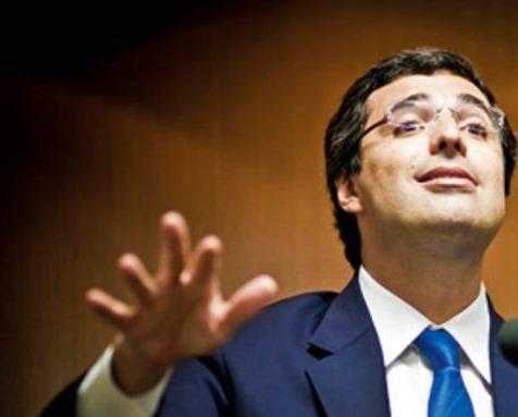 Esteves é dono do BTG Pactual, banco de investimentos controlado por uma sociedade de executivos