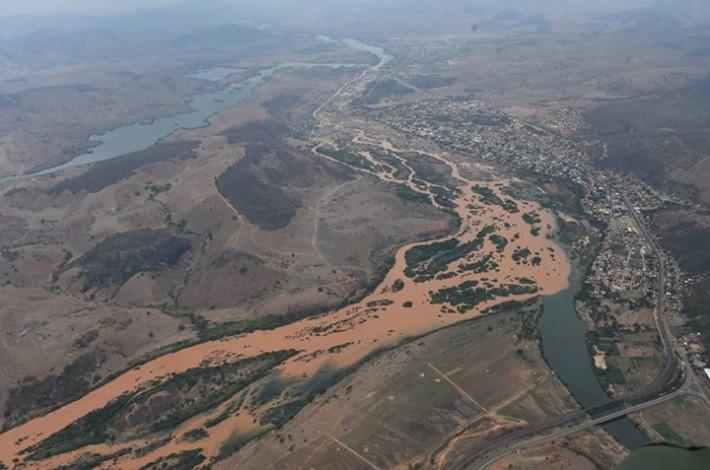 Foto aérea tirada na Usina de Aimorés, em Minas Gerais, na divisa com o Espírito Santo, no início da tarde desta segunda (16) (Secom-ES)