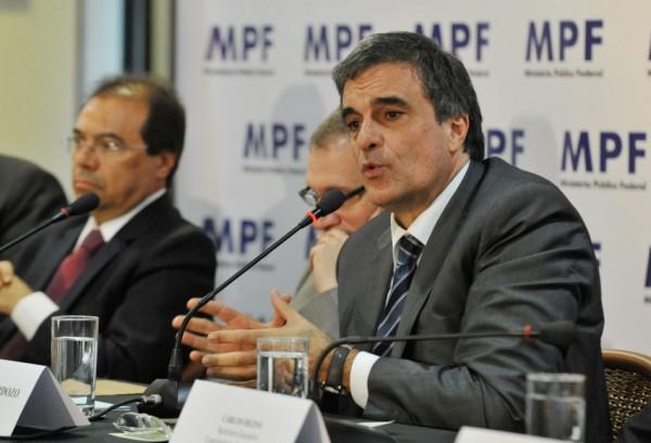 O ministro da Justiça, José Eduardo Cardozo, durante abertura do Evento do Ministério Público Federal – MPF no Combate à Corrupção Ações e Resultados. Foto Divulgação Minitério da Justiça