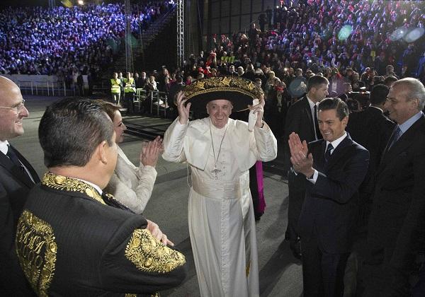 Papa Francisco chegou ao México na noite de sexta-feira e iniciou sua viagem oficial ao país neste sábado )Foto: Presidência do México/Divulgação)