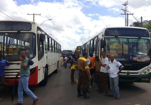 Rodoviários protestam contra prisão de colega (Foto: Cláudio Cassiano Falcão/ O Sistema é Bruto)