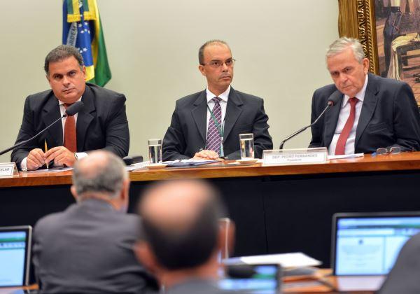 Brasília - CPI do CARF elege para relator e presidente, os deputados João Carlos Bacelar e Pedro Fernandes, respectivamente (Fabio Rodrigues Pozzebom/Agência Brasil)