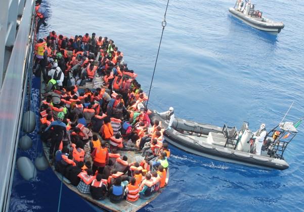 Refugiados chegando (Foto Reprodução Wikipedia)