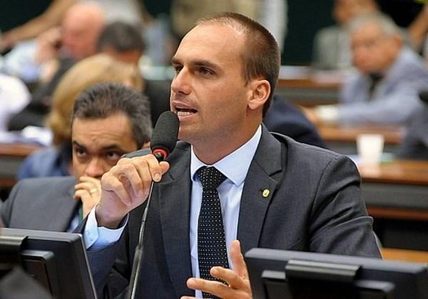 Bolsonaro leva ovada no interior de SP e vai à polícia