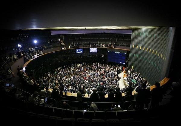 Brasília - Tem início a votação da autorização ou não da abertura do processo de impeachment da presidenta Dilma Rousseff, no plenário da Câmara dos Deputados (Marcelo Camargo/Agência Brasil)