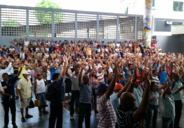 Em assembleia, servidores municipais de Salvador decidiram manter greve. Foto: Divulgação/Sindiseps