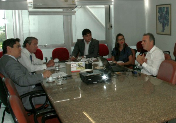 Sócios da Agri Brasil apresentam, em Salvador, o projeto bilionário de produção leite (Foto: Divulgação / Seagri)