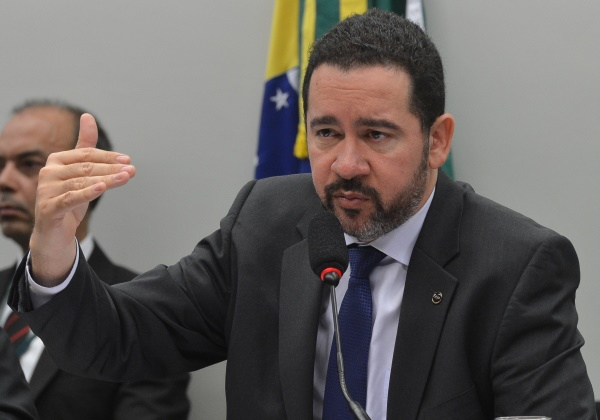 Brasília - O ministro interino do Planejamento, Dyogo de Oliveira, em audiência pública na Comissão Mista de Orçamento sobre o projeto da Lei de Diretrizes Orçamentárias (LDO) de 2017 (Antonio Cruz/Agência Brasil)