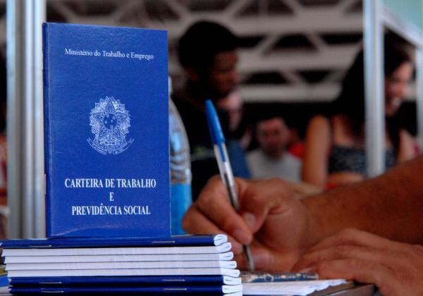 Brasil abre 77,8 mil vagas formais de trabalho em janeiro