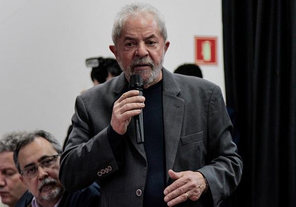 CDG20160819023 Roupas e passaporte de Lula são roubados em Curitiba Policia
