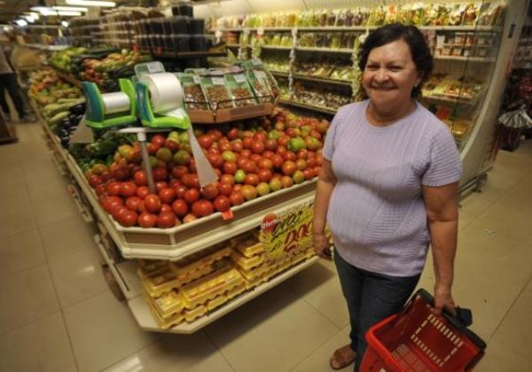 Bancos e financeiras estimam que 2016 feche com inflação de 6,88%, o que facilitará a vida dos consumidores (Foto Agencia Brasil)