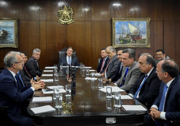 Presidente do Senado promove reuniao com Governadores