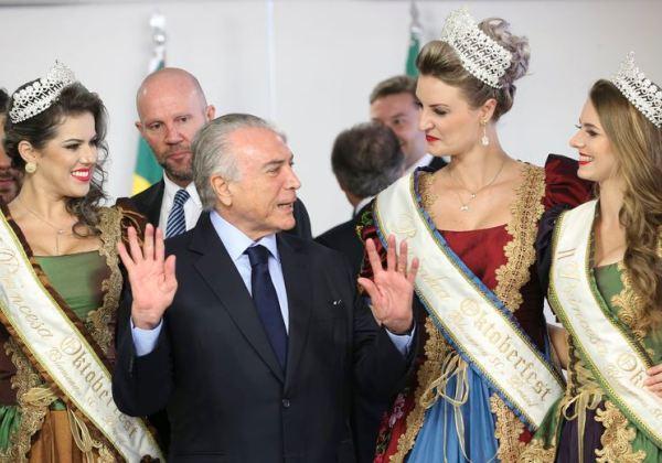Brasília - O presidente Michel Temer durante Cerimônia de Sanção da lei que confere à Cidade de Blumenau o título de Capital Nacional da Cerveja.(Antonio Cruz/Agência Brasil)