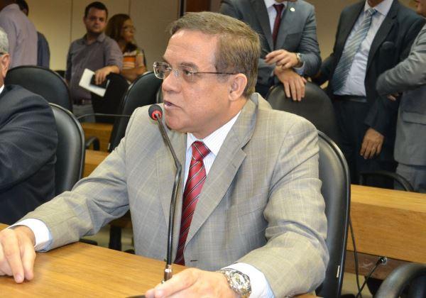 deputado-luciano-ribeiro-mesa-comissao-foto-divulgacao Oposição diz que Rui faz 'chantagem velada' contra CPI da Fonte Nova Politica