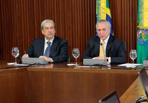 Reforma tributária vem antes da Previdência, diz ministro