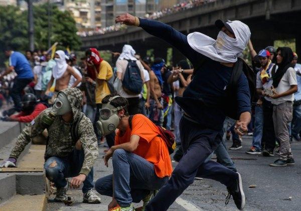 A Venezuela vive desde abril uma onda de protestos que já deixou mais de 100 mortos. Foto: ZAP.aeiou