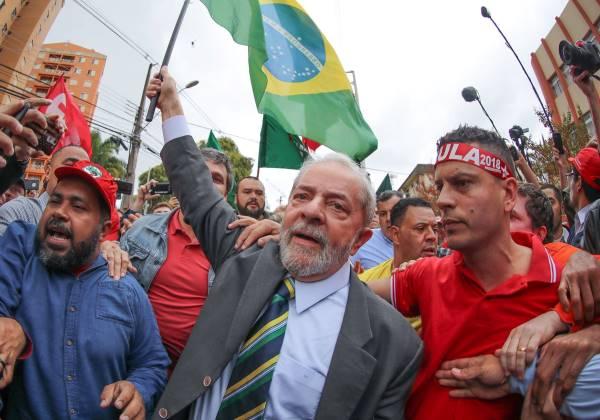 Confrontos e tiros marcam a chegada de Lula a Salvador