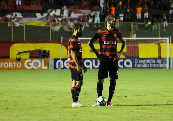 Sem vencer há três jogos, Botafogo visita o Vitória na Bahia