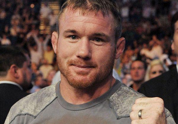 Ex-campeão do UFC sofre acidente e fica em estado grave