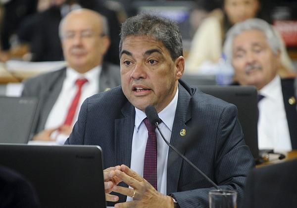 Senador Hélio José (PMDB-DF) em pronunciamento na CAS.Foto: Marcos Oliveira/Agência Senado