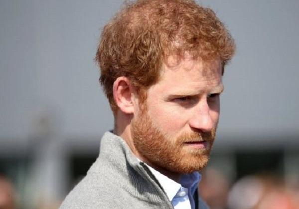 Príncipe Harry diz que pensou em sair da família real britânica