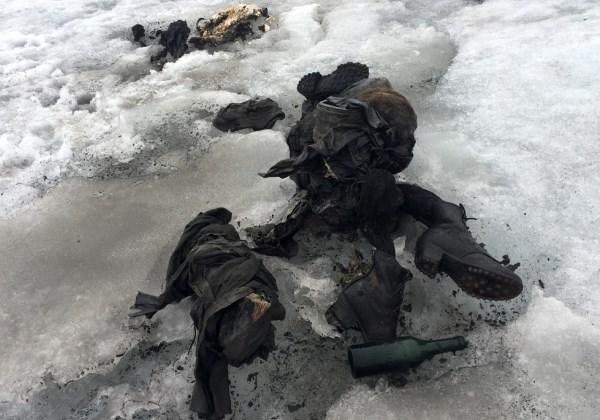 Os corpos estavam escondidos no gelo por 75 anos