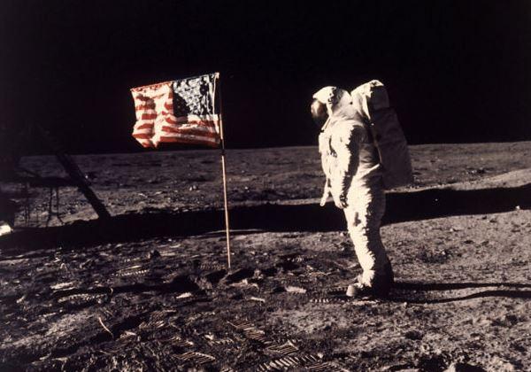 A Missão Apollo de 1971 trouxe as primeiras provas de água na Lua. Foto: AP