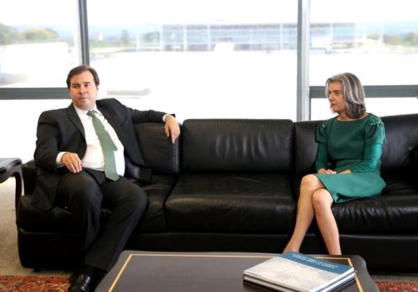 Maia: Vamos aprovar a privatização da Eletrobras