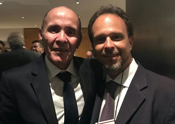 Antonio Adonias (D), presidente CESA-BA, ao lado de Carlos José Santos da Silva, presidente nacional reeleito . (Foto: Divulgação)