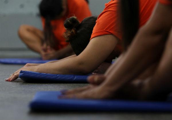presas yoga ressocialização