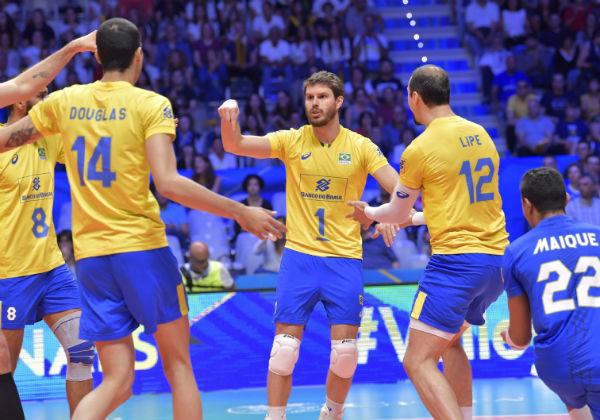 Brasil bate a Sérvia e vai à 5ª final seguida no mundial de vôlei
