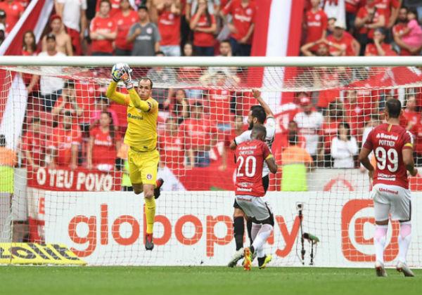Inter vence Vitória de virada no Beira-Rio