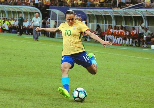 A atacante Marta, maio nome da seleção feminina (Reprodução: Instagram/ Arquivo Pessoal)
