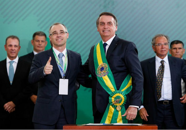 André Mendonça, ministro da Justiça, e o presidente Bolsonaro (Foto: Divulgação/AGU)