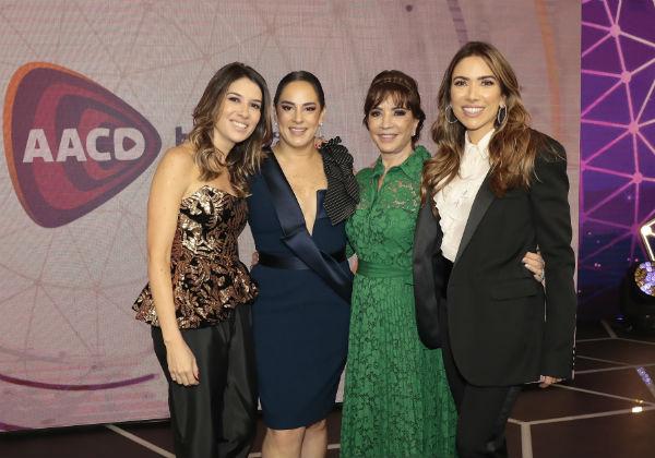 Rebeca, Silvia, Iris e Patricia Abravanel - (Foto: Lourival Ribeiro/SBT/Divulgação)