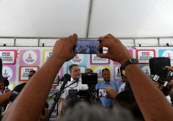 Governador Rui Costa durante entrevista no Campo Grande (Foto: Manu Dias/ GOVBA)