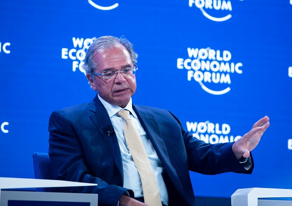 Paulo Guedes, Minister of Economy of Brazil, speaking during Challenging the Dominance of the Dollar session at the World Economic Forum Annual Meeting 2020 in Davos-Klosters, Switzerland, 23 January. Congress Centre / Sanada. Copyright by Ciaran McCrickard/ World Economic Forum/ Fotos Públicas