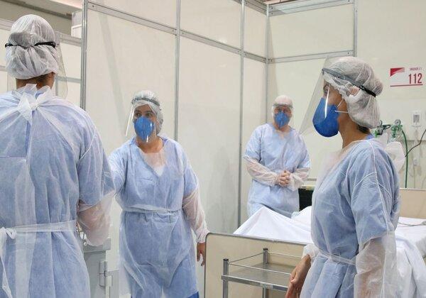 Médicos fazem treinamento no hospital de campanha no Complexo Esportivo do Ibirapuera (SP) - Rovena Rosa/Agência Brasil