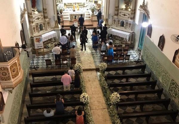 Igreja da Vitória é notificada por realizar casamento durante pandemia