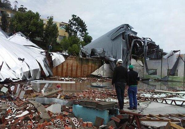 Fenômeno causou estragos em Santa Catarina (Foto: Defesa Civil de SC/Divulgação)
