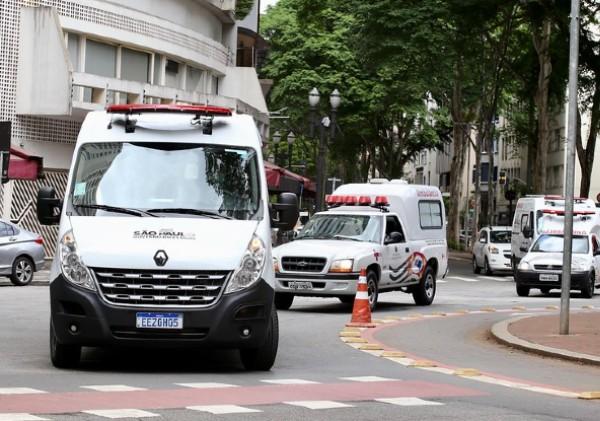 Ambulâncias circulam por ruas de São Paulo (Foto: Reprodução/ Governo do Estado de São Paulo)