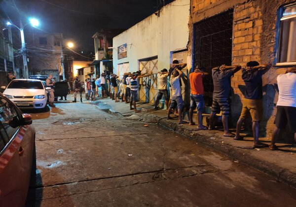 Cerca de 2 mil pessoas são flagradas em paredão no Arenoso (Foto: Divulgação/Sedur)