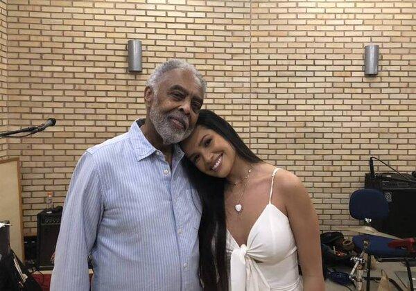 Gilberto Gil e Juliette Freire durante ensaio (Foto: Reprodução/Twitter)